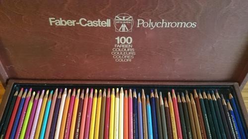 出張買取の池屋で買い取ったポリクロモス色鉛筆