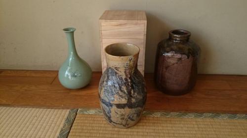 出張買取の池屋で買い取った韓国作家の花瓶