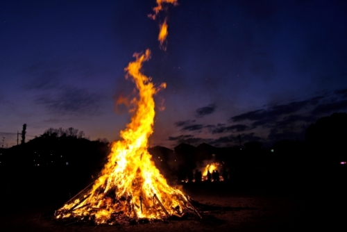 出張買取『池屋』のWebサイトで使用したお焚き上げのフリー素材