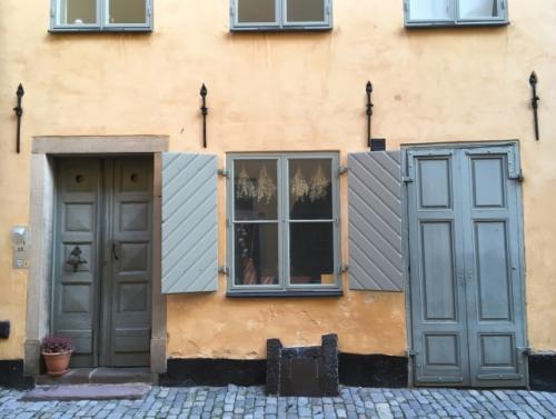 出張買取『池屋』のWebサイトで使用した北欧の街並みのフリー素材